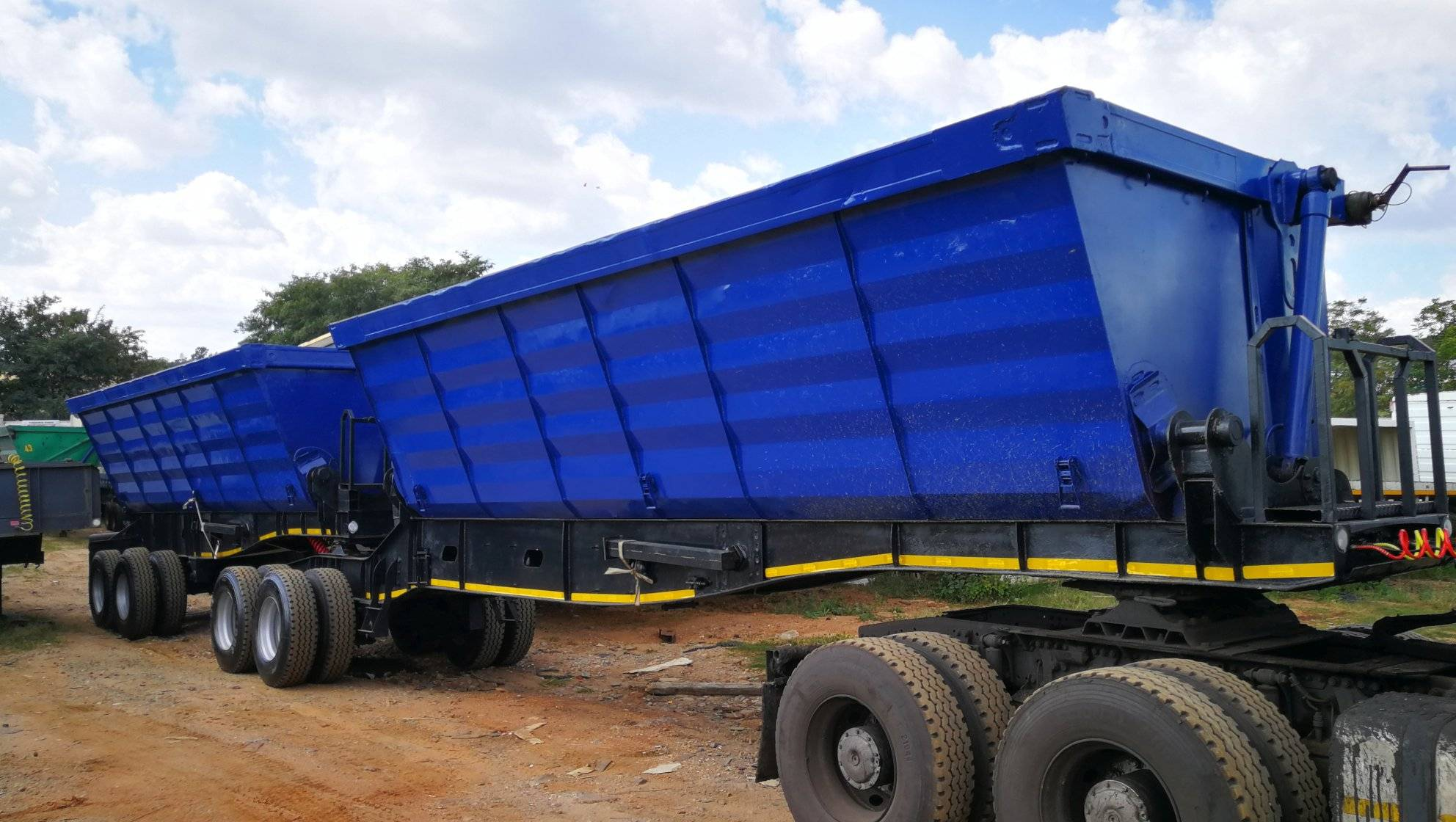 Get Your Own 34 Ton Side Tipper Truck Today And Start Your own Trucking Business